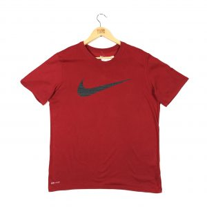 nike_red_tshirt_with_swoosh_tick_a0024