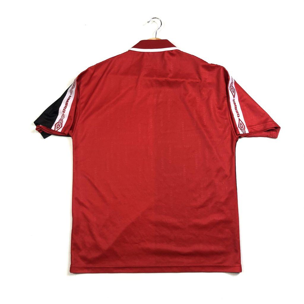 vintage_umbro_centre_logo_football_shirt
